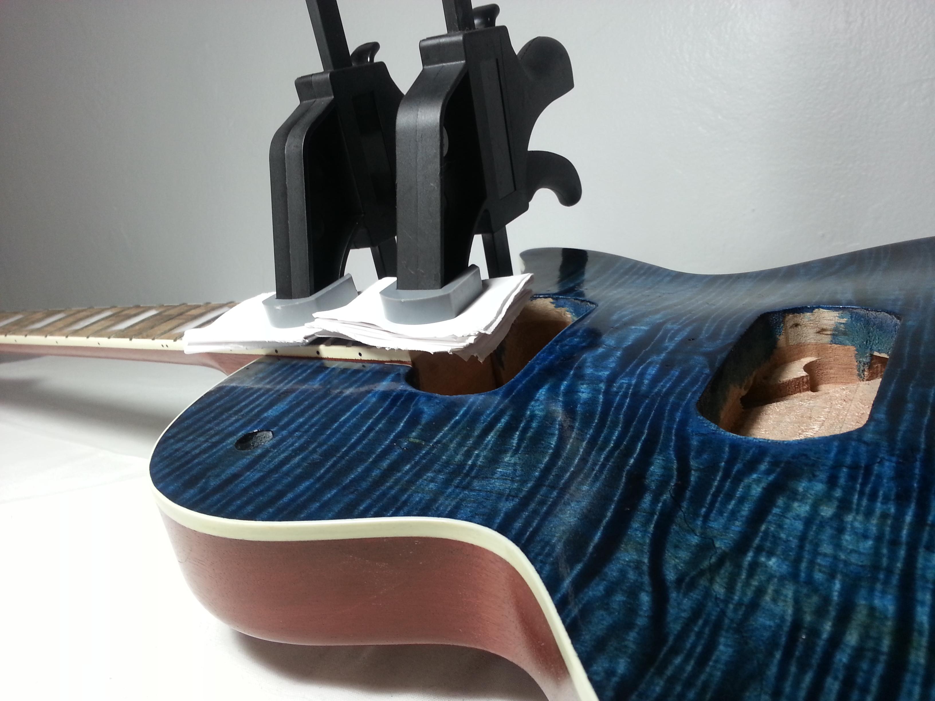 Glue neck to guitar body